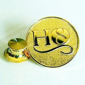 Huy hiệu mạ vàng